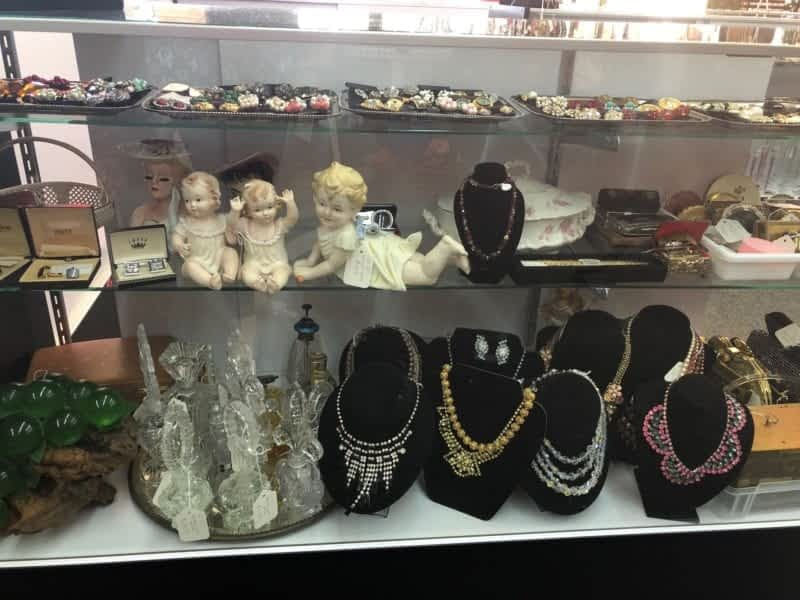 Antique and vintage ladies collectibles